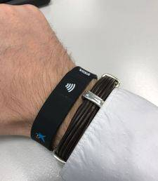 Contactless wristband